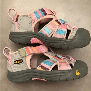 Keen Shoes - Toddler girl water shoes